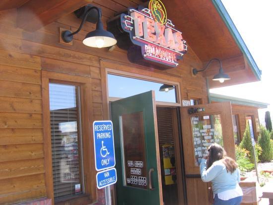 Texas Roadhouse: Entrance