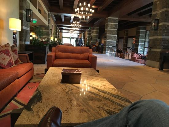 Marana, AZ: Lobby area