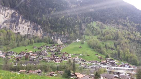 Lauterbrunnen Valley waterfalls: photo1.jpg