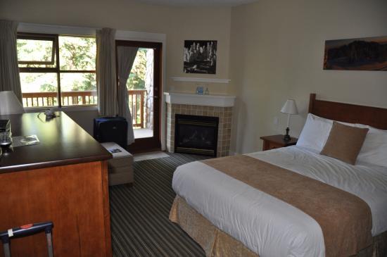 Pinnacle Lodge Photo