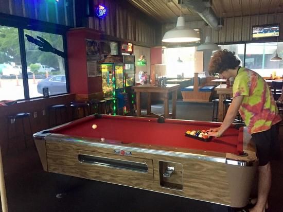 Diamondhead, MS: Pool table