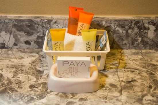 Carmel Valley, CA: Bath Amenities