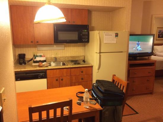 Homewood Suites by Hilton Phoenix Chandler: Kitchen