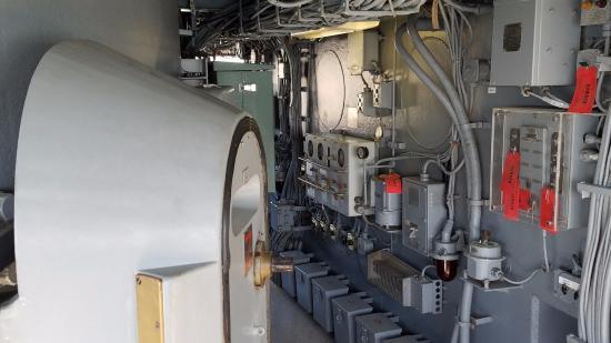 Battleship USS Iowa BB-61 Bridge showing armored door & Bridge showing armored door - Picture of Battleship USS Iowa BB-61 ...