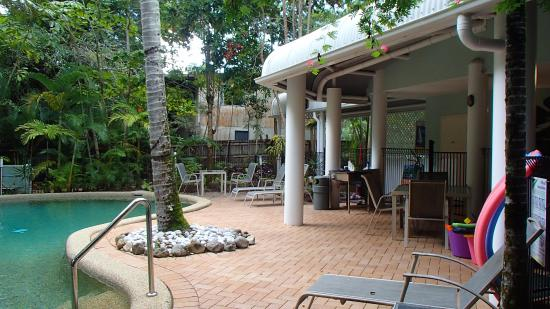The Port Douglas Outrigger: Pool and BBQ area
