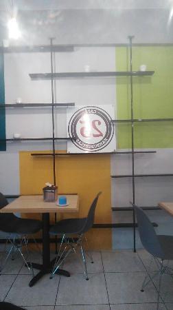 San Lorenzo de Flores, Costa Rica: 25 Cafe Y Hamburguesas