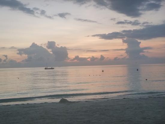 Rhodes Beach Resort Negril: Sunsets on their private beach were different every single night!
