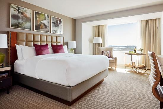 Lansdowne Resort and Spa: King Guestroom