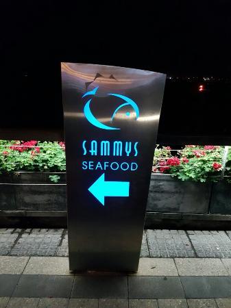 Sammy's On The Marina: 20160503_193716_large.jpg