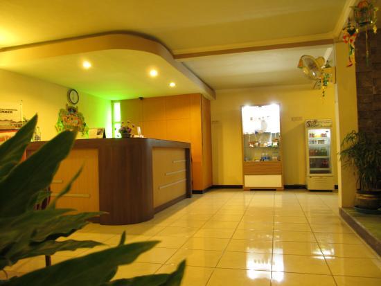 Hotel Lestari & Restaurant