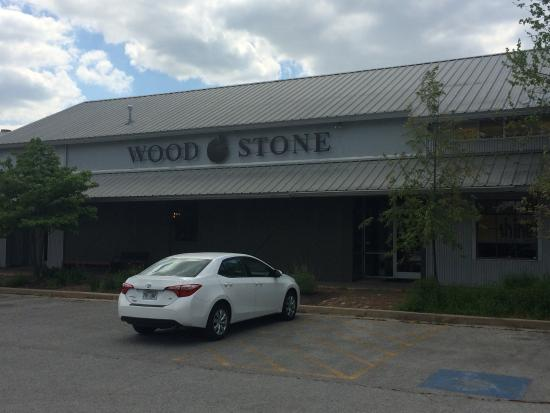 picture of wood stone craft pizza