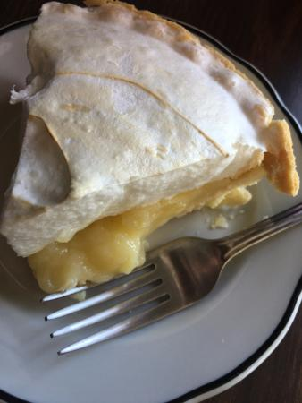 Pearblossom, CA: lemon meringue pie... do it!
