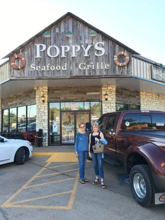 Poppy's Seafood Grille: photo0.jpg