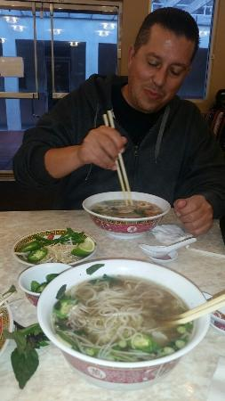 Port Hueneme, CA: Great Pho with delish spring rolls.