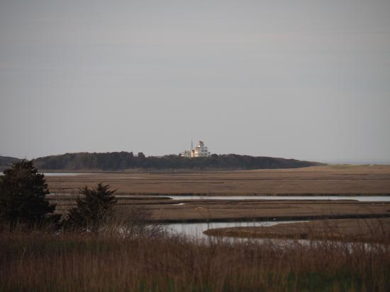 Fort Hill Bed and Breakfast: View from Fort Hill Trail towards Coast Guard Beach