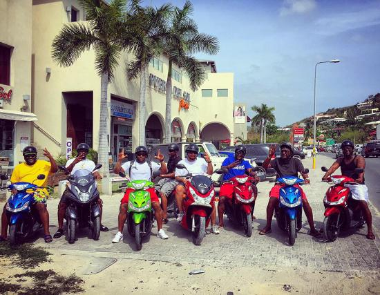 bahía de Simpson, St. Maarten: riding with family