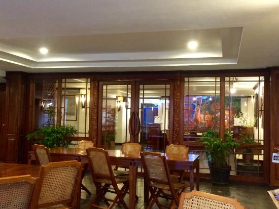 Lao Orchid Hotel: Elegant Rattan And Teak Furniture Give A Nice French  Colonial Feel.