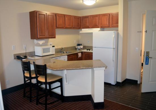 Hampton Inn & Suites Denver Tech Center: Kitchennet