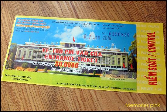 ค่าเข้าชมคนละ 30,000 VND - Ảnh của Dinh Độc Lập, Thành phố