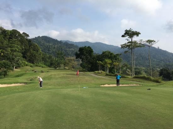 Berjaya Hills Golf & Country Club: Decent enough green