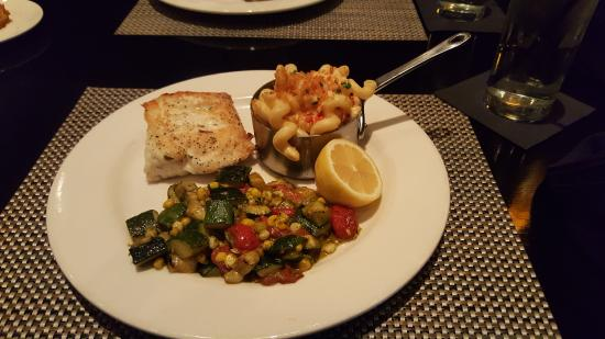 Bristol Seafood Restaurant: Seared halibut with the same sides!