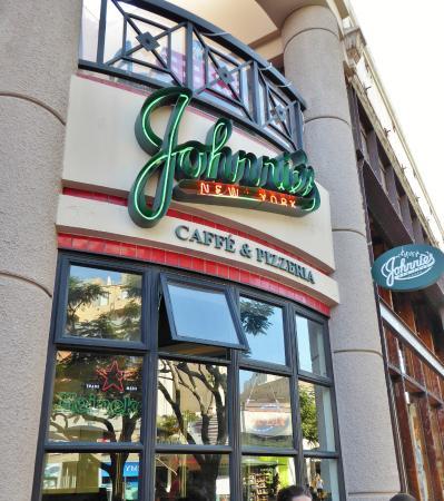 Johnnie's New York Pizzeria Foto