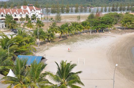 Marina Island Pangkor Resort & Hotel: Beach volleyball