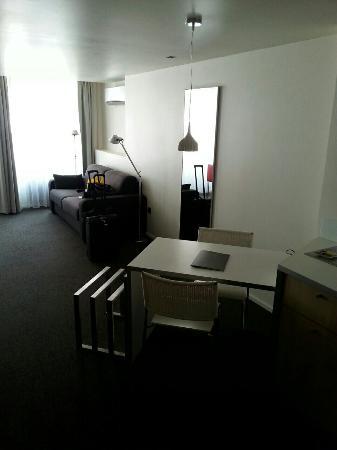 Hotel Le Pavillon 7: image-b4b1feabba860f690d5d574d45750f630669f128af68626dcbcd90de5e999dae-V_large.jpg