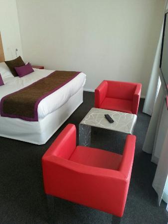 Hotel Le Pavillon 7: image-289f899e940adb902fa86f08d74ab48a6374a32d58c378ada263a6af7c14fe45-V_large.jpg