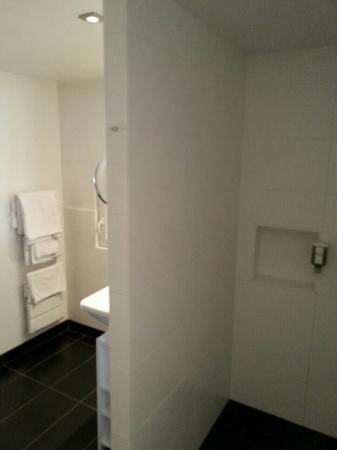 Hotel Le Pavillon 7: image-5f579a541d807463285d7c2b78ab4a247751026fa4a9f77b906373e9a8963a4b-V_large.jpg
