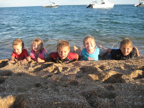 Thevenard Island, Australia: Kids are in their element here