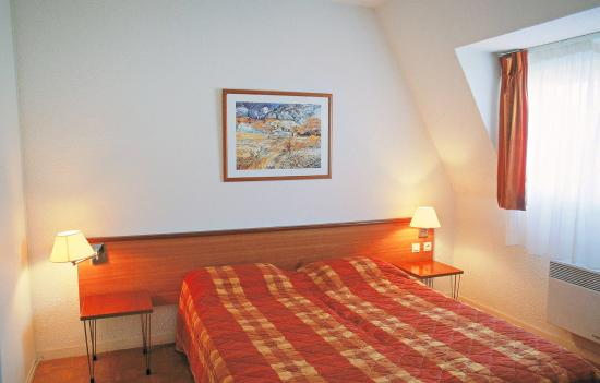 Residence montaigu hotel cabourg france voir les for Chambre hote cabourg