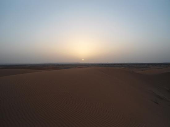Merzouga, Marruecos: l'alba nel deserto