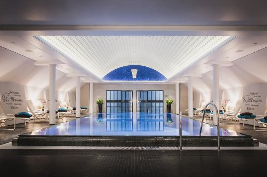 Hotel Taschenbergpalais Kempinski: Taschenbergpalais Pool