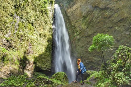 Lumajang, Индонезия: Air Terjun Coban Kabut Pelangi