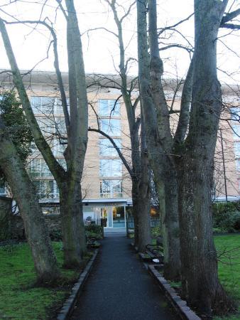 Hilton Garden Inn Bristol City Centre: Our room from park opposite.
