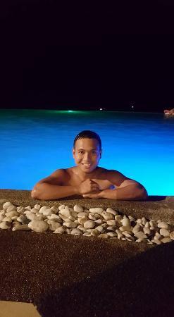 Alta Vista de Boracay: night swimming at alta vista infinity pool