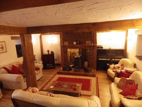 Llangwm, UK: Oak lounge