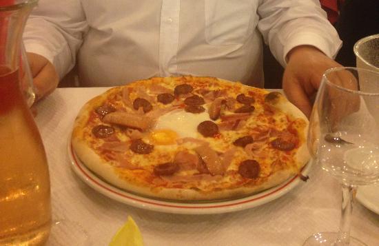 Draguignan, Francia: Pizza bien garnie
