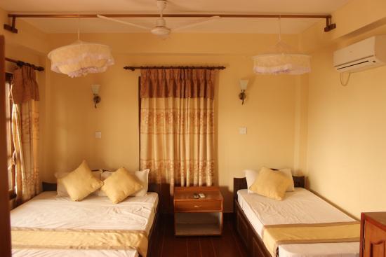 Jungle Wildlife Camp: bed room