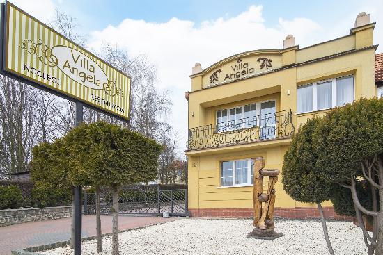 https://media-cdn.tripadvisor.com/media/photo-s/0b/1a/6f/d3/villa-angela-gdansk-hotel.jpg