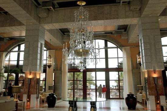 Hotel - budynek recepcji.