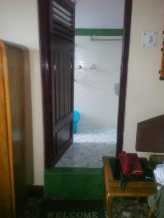 Dekeling Hotel: TA_IMG_20160430_173820_large.jpg