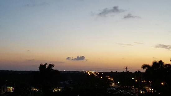 Holiday Inn Express North Palm Beach - Oceanview: 20160501_201255_large.jpg