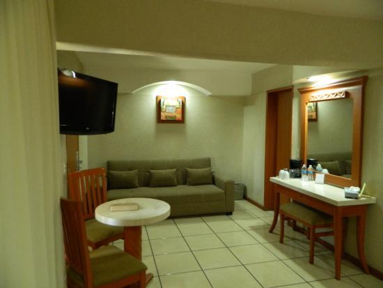 Malibu Hotel: Sofá cama