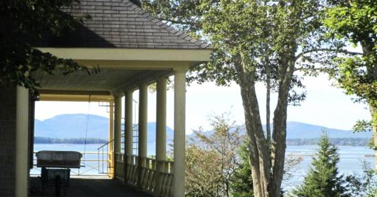 Acadia Bay Inn B&B: West Porch