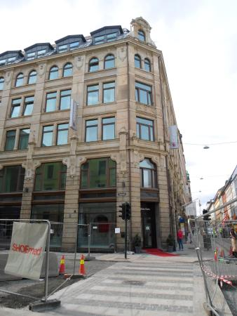 Seriøst front entrance on Prinsens gate - Picture of Citybox Oslo, Oslo TJ-95