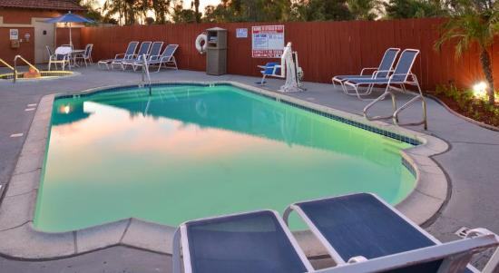 BEST WESTERN PLUS La Mesa San Diego: Outdoor Pool & Spa