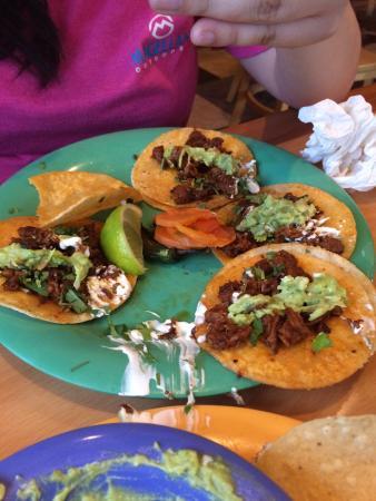 Tacos Y Tortas Adrian