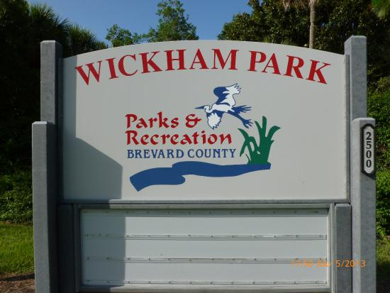 Plenty To Do Park Review Of Wickham Park Melbourne FL TripAdvisor - Wickham park car show melbourne fl